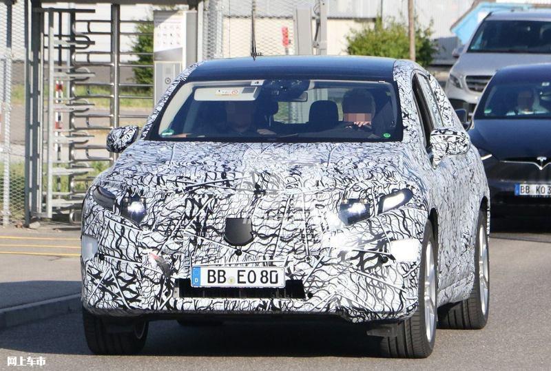 梅赛德斯-奔驰EQS SUV曝光垂直大屏/3级自动驾驶-图3