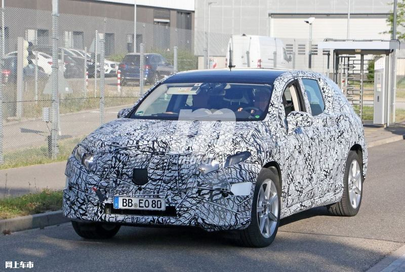 梅赛德斯-奔驰EQS SUV曝光垂直大屏/3级自动驾驶-图4