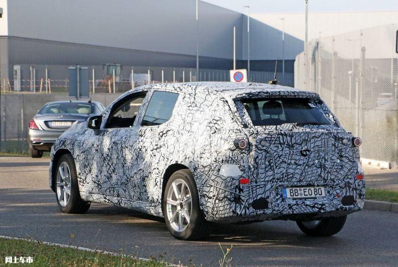 梅赛德斯-奔驰EQS SUV曝光垂直大屏/3级自动驾驶-图9