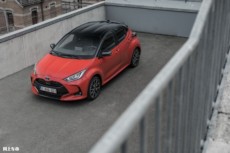 丰田新款雅力士正式推出!搭1.5L混动/配置丰富