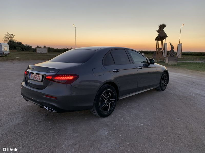 奔驰新款E级实拍曝光下周五上市/尺寸超奥迪A6L-图4
