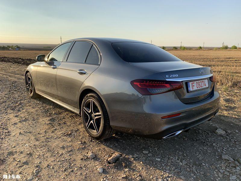 奔驰新款E级实拍曝光下周五上市/尺寸超奥迪A6L-图7